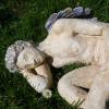 L'ange allongé – Détail